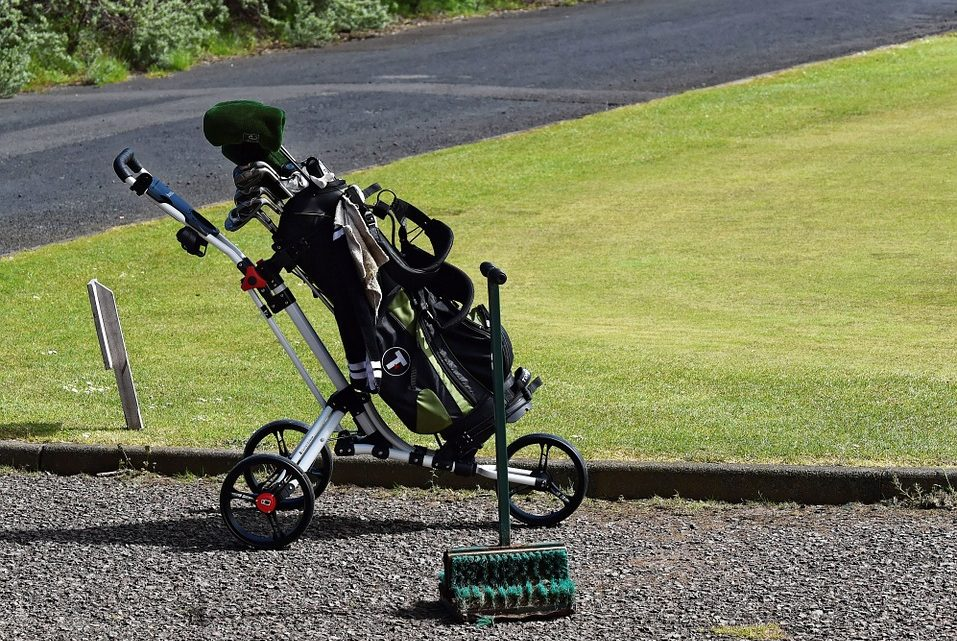 Le chariot de golf électrique, un appareil destiné à réduire les efforts de son utilisateur