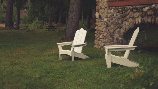 Quel fauteuil jardin choisir pour votre extérieur ?