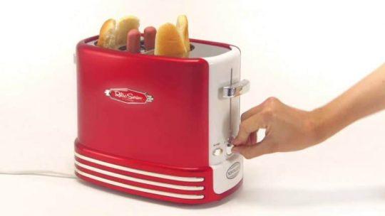 La machine à hot dog, une machine appropriée pour la préparation de hot dog